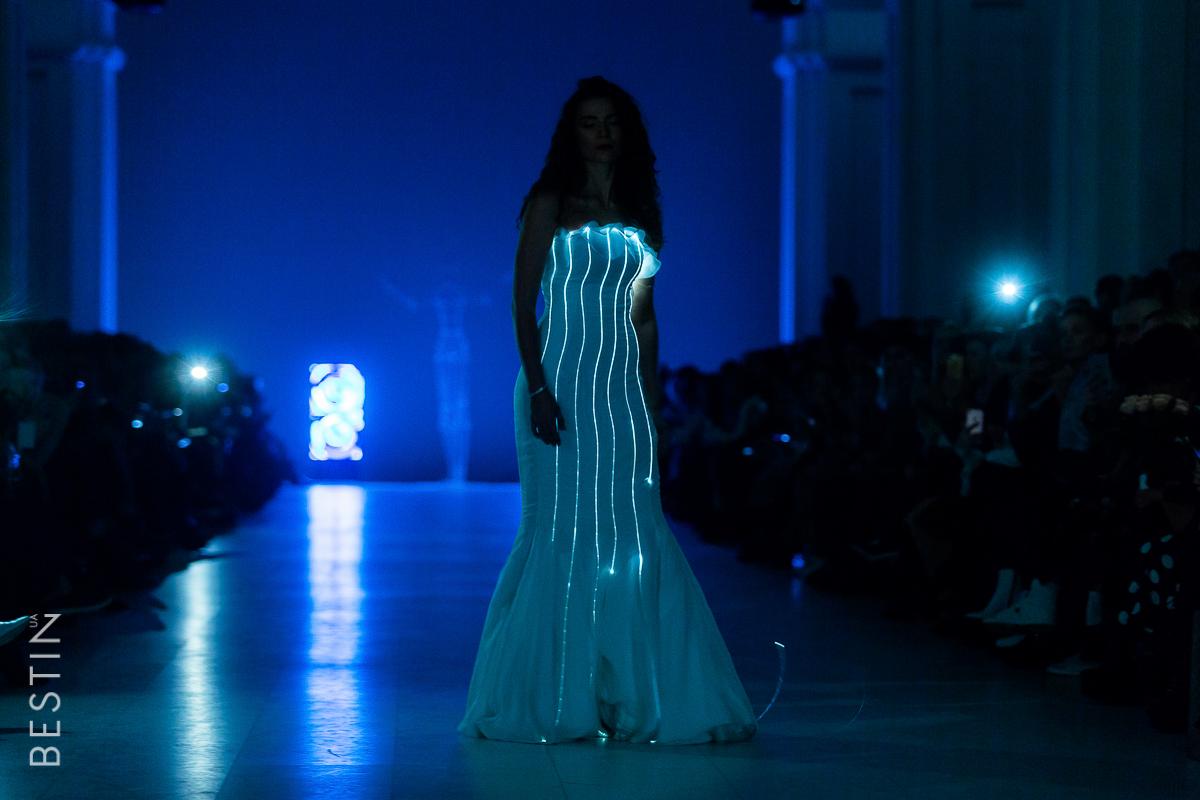 Платье с диодами Анастасии Ершовой
