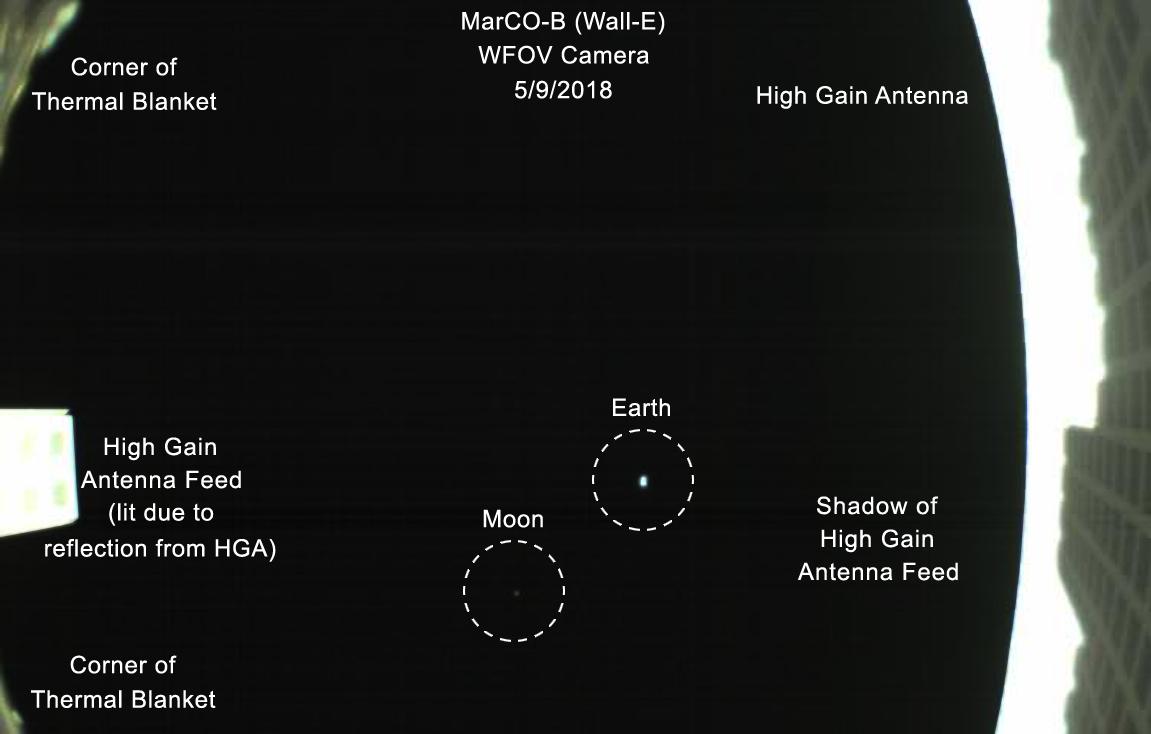 Первые межпланетные наноспутники НАСА получили фотографии Земли