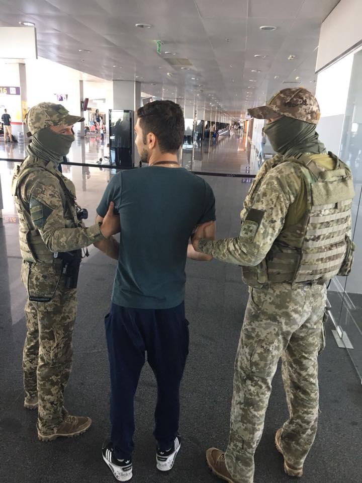 В Борисполе иранец заявил, что он террорист - Госпогранслужба