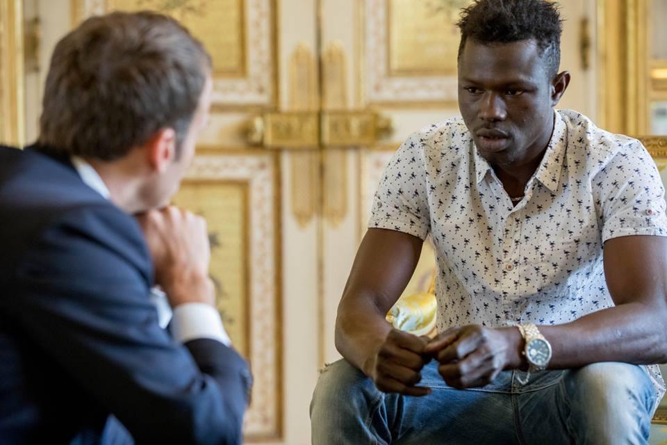 Тема дня. Как нелегальный иммигрант из Мали стал героем французов