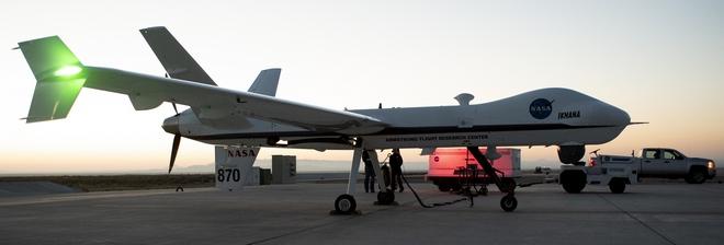 """Дрон NASA впервые самостоятельно летал в коммерческом """"воздухе"""""""
