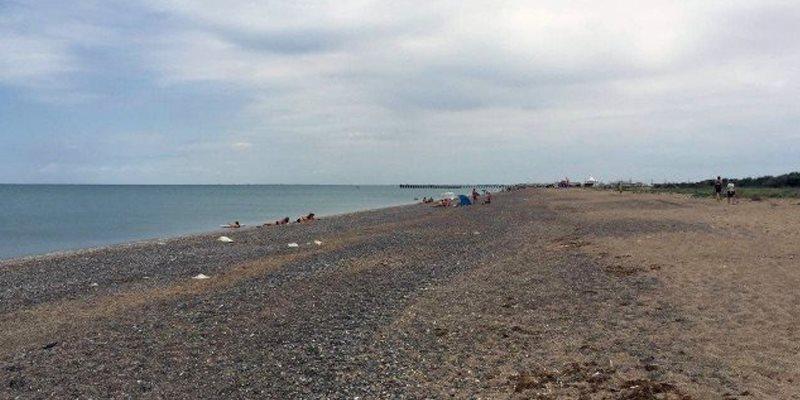 Мост построен, отдыхающих нет: фото пустых пляжей в Крыму