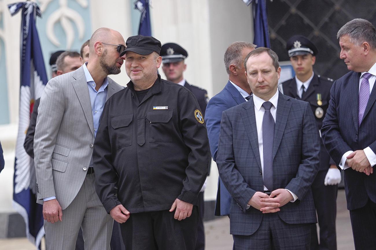 Выбор Яценюка. Развалится или устоит Народный фронт