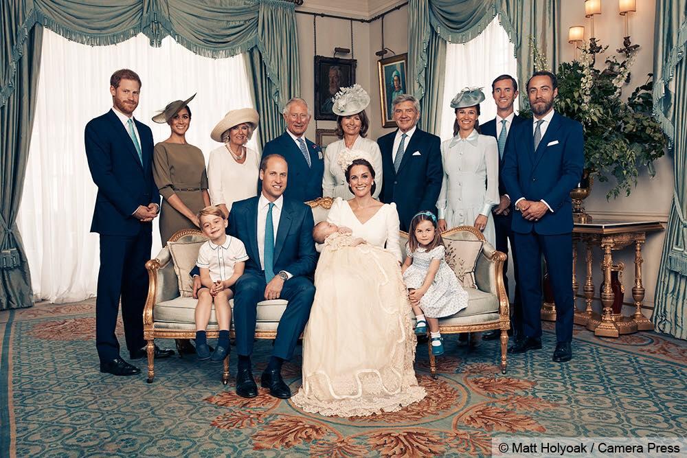 Королевская семья сфотографировалась на память без Елизаветы II