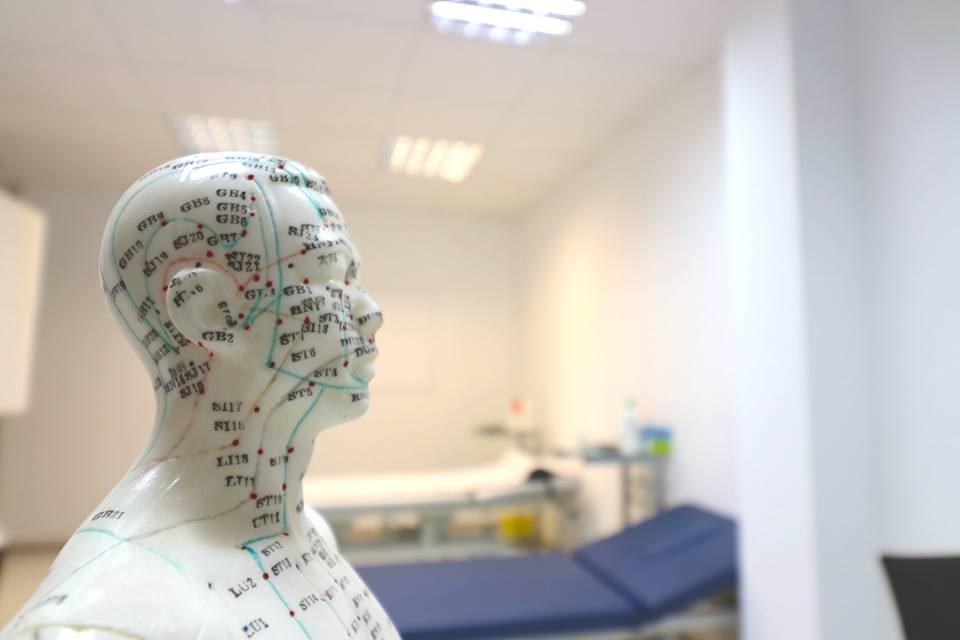 """Лечение в клинике Верта: """"Вечные иглы"""" от серьезных болезней"""