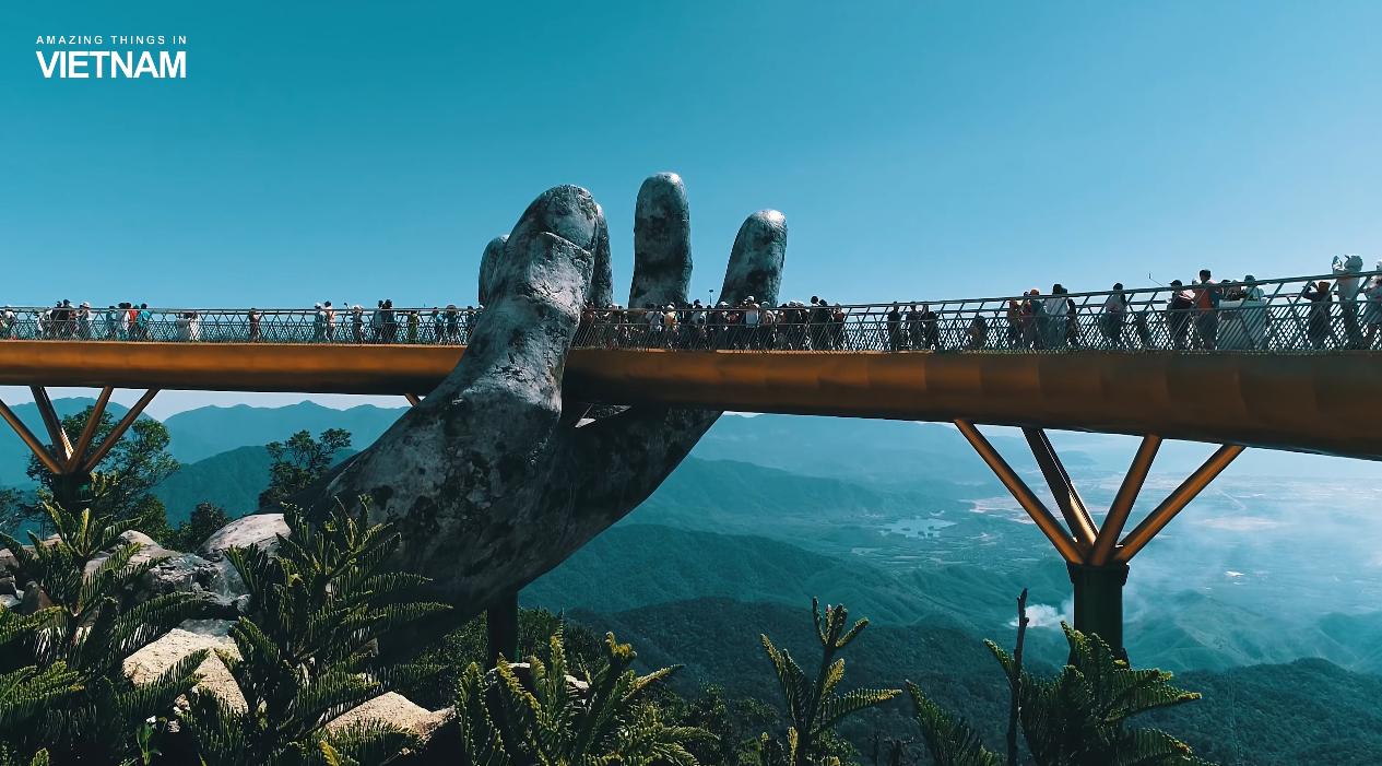 Золотой мост во Вьетнаме стал звездой Instagram: фото, видео