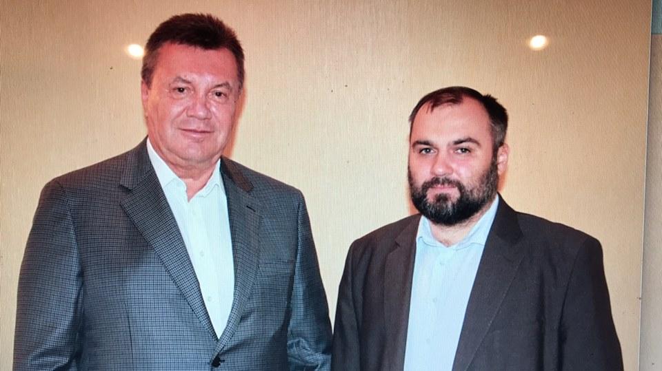 Дело Януковича: адвокат, трижды за день сорвавший суд, уехал в РФ
