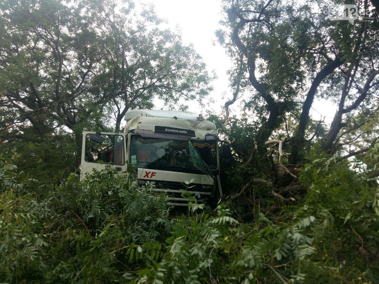 ДТП на трассе Николаев-Одесса: пассажир такси погиб - фото