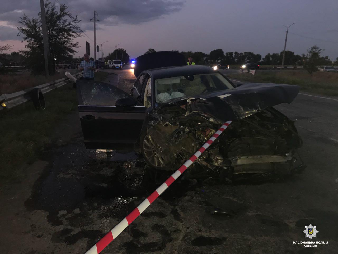 Под Днепром автобус столкнулся с авто: есть погибшие - фото