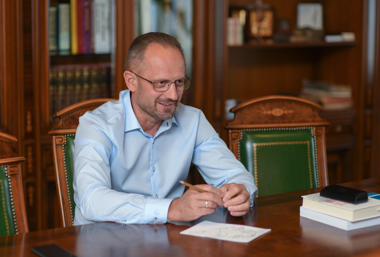 Бессмертный: Кремлю не удалось поковыряться в нашей Конституции