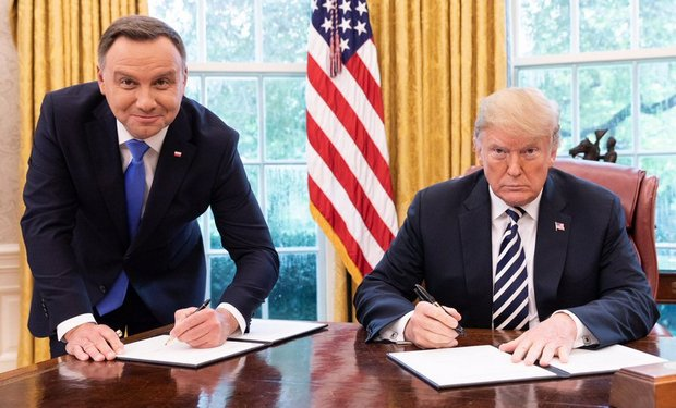 Дуда предложил создать базу Fort Trump в Польше: Трамп заулыбался