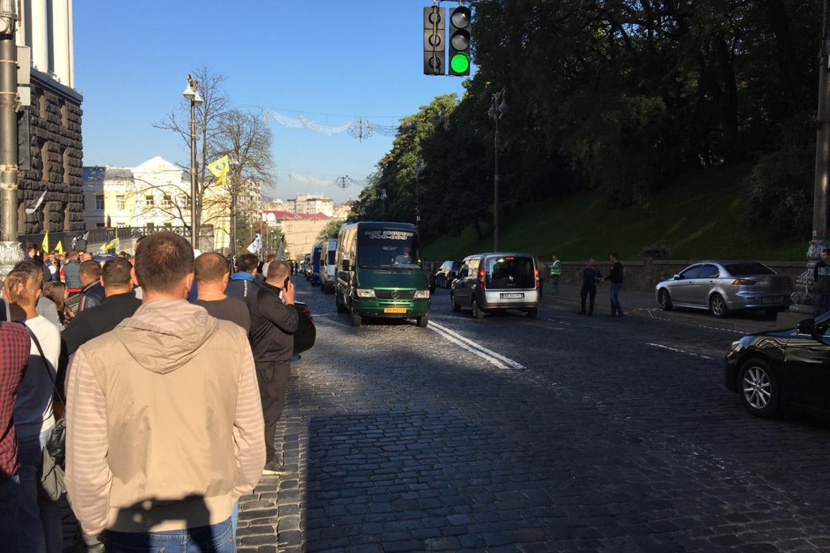 Владельцы авто наевробляхах начали пикет Кабмина