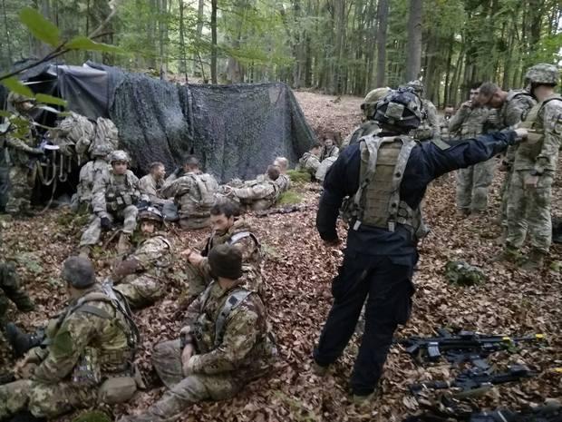 «Имневезёт»: украинские десантники «захватили» штаб военных США