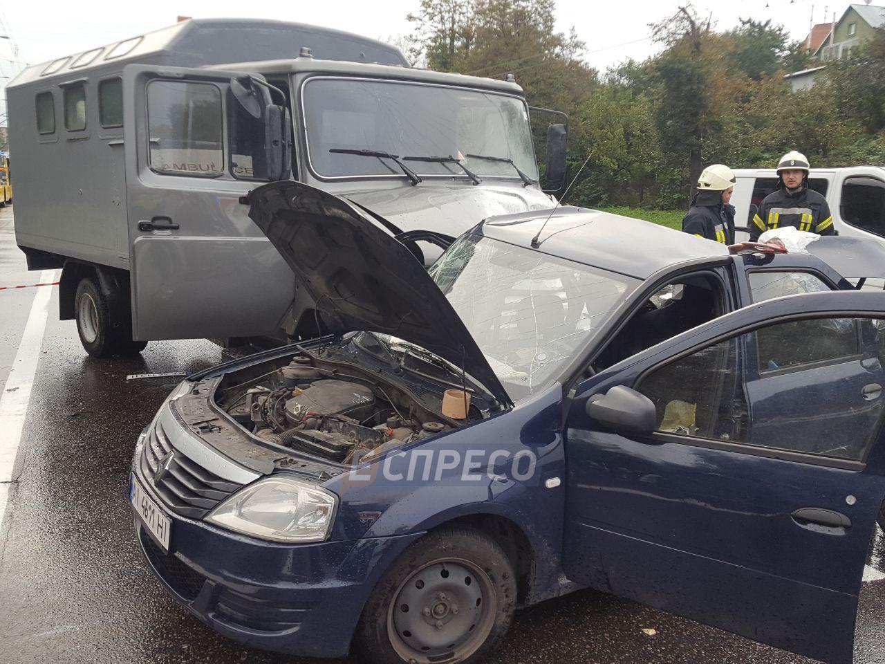 В Киеве в такси погиб сотрудник полиции