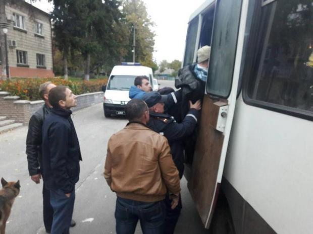 Полицейских украинской столицы  направили врайон ЧП— Взрывы под Ичней
