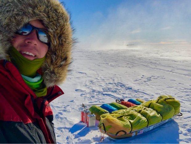 """""""В одних трусах"""" американец пытается перейти Антарктиду: фото"""
