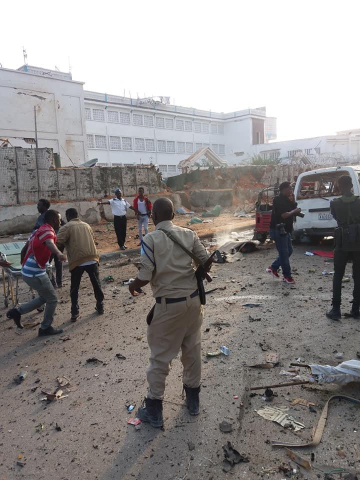 Теракт в отеле Сомали: смертники убили 17 человек - фото, видео