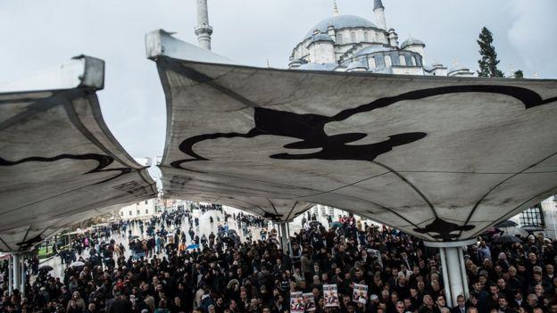 В Саудовской Аравии провели символические похороны Хашогги - фото