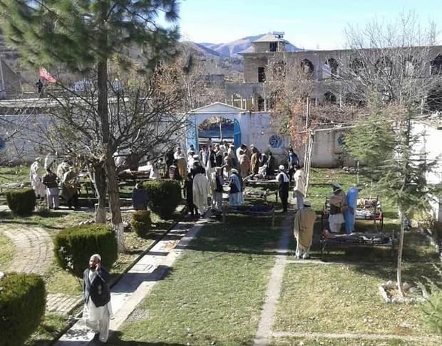 Боевик на мотоцикле въехал на ярмарку в Пакистане: 30 погибших