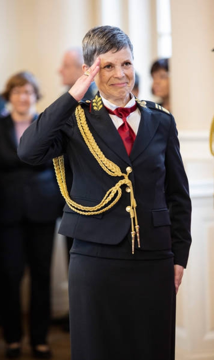 Ветеран-разведчик. 10 фактов о первой женщине-начальнике Генштаба