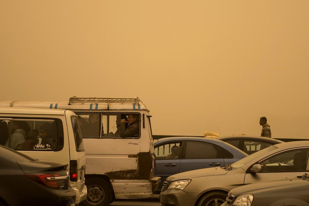 На Египет обрушилась песчаная буря - фото, видео