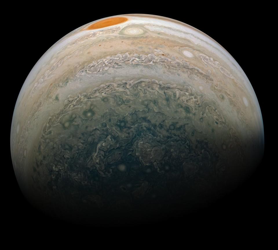 Juno передала землянам снимок двух ураганов на Юпитере: фото