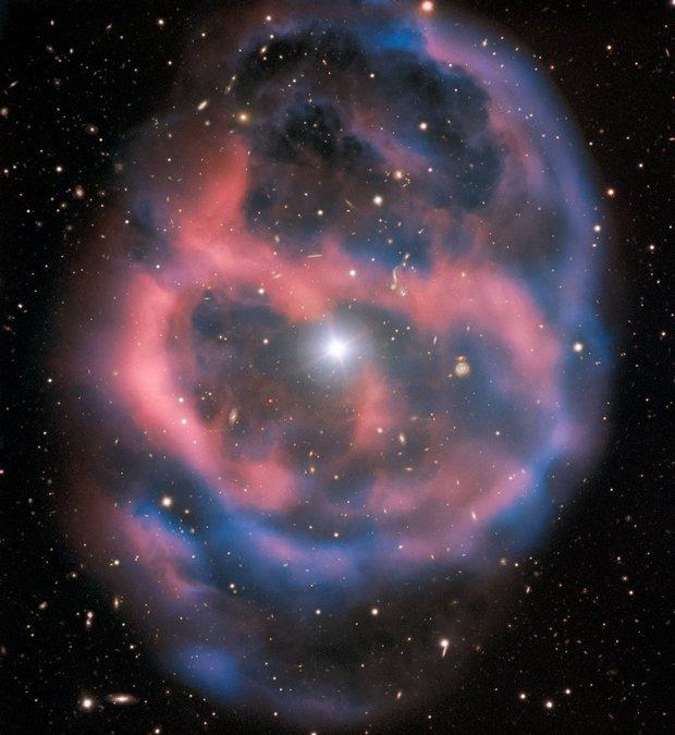 """Астрономы показали """"последний вздох"""" умирающей звезды: видео"""