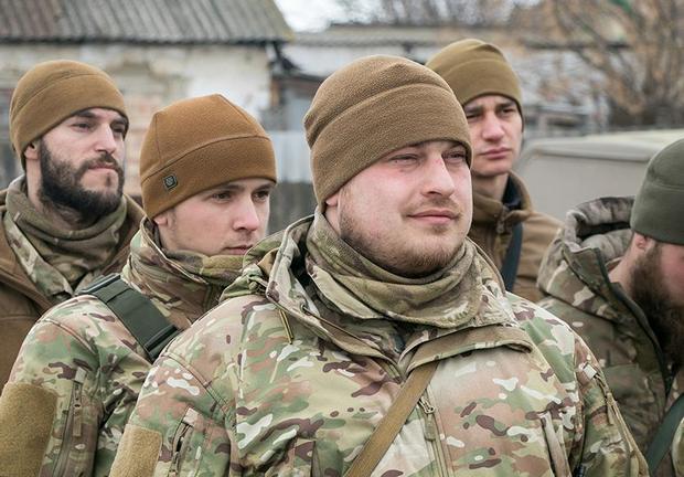 """""""Огонь врага тушим быстро"""": военные - об уничтожении БМП боевиков"""