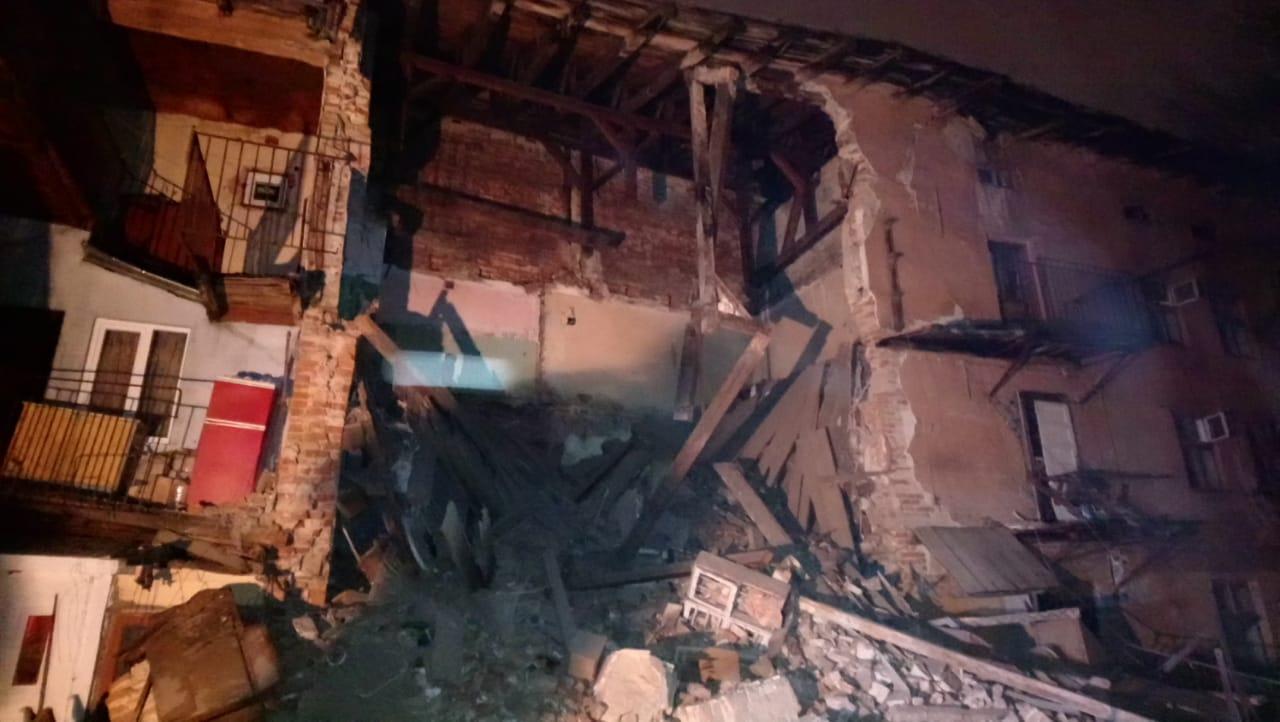 В центре Львова частично обрушился жилой дом: фото