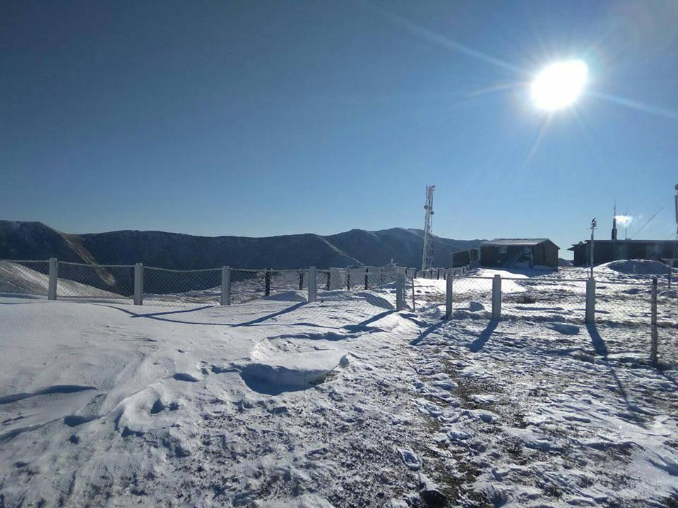 Карпаты засыпало снегом - фото