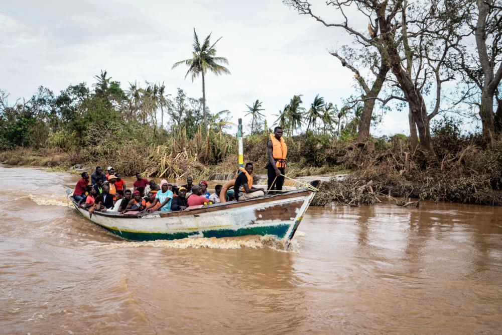 Циклон разрушил Мозамбик, Зимбабве, Малави. Сотни погибших: видео