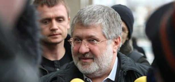Зеленского сопровождает похожий на охранника Коломойского: фото