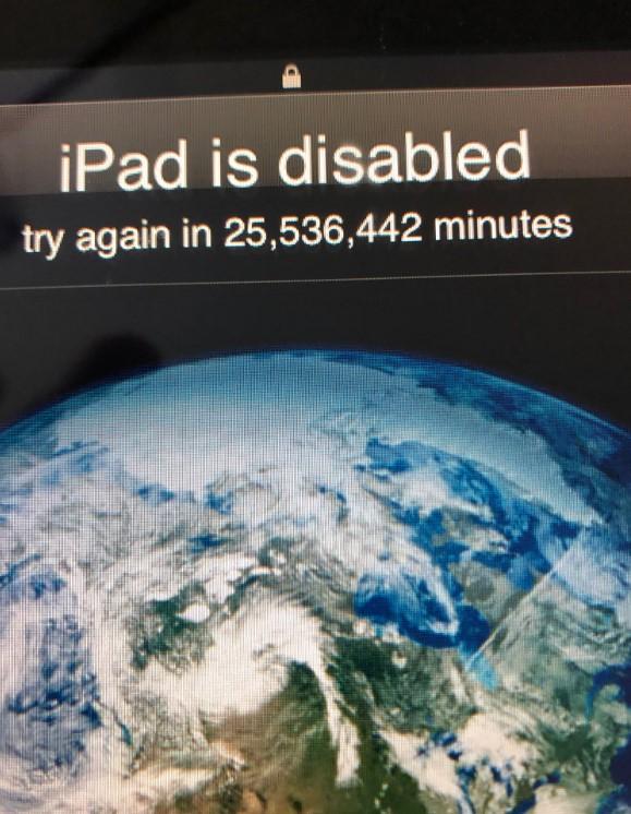 Стоп машина. 3-летний американец заблокировал iPad отца на 40 лет