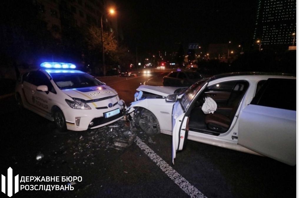В Киеве авто столкнулось с Toyota Prius полиции: ГБР расследует