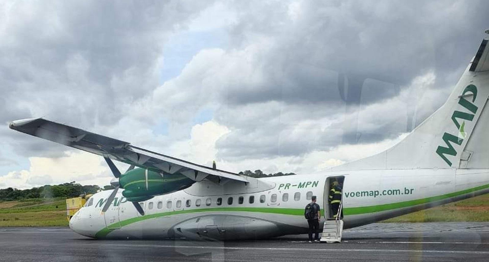 В Бразилии пилот посадил пассажирский самолет без шасси: видео