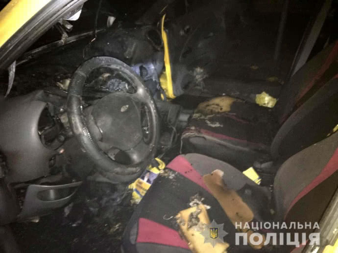 В Ровно ночью сгорел автомобиль кандидата в депутаты от Свободы