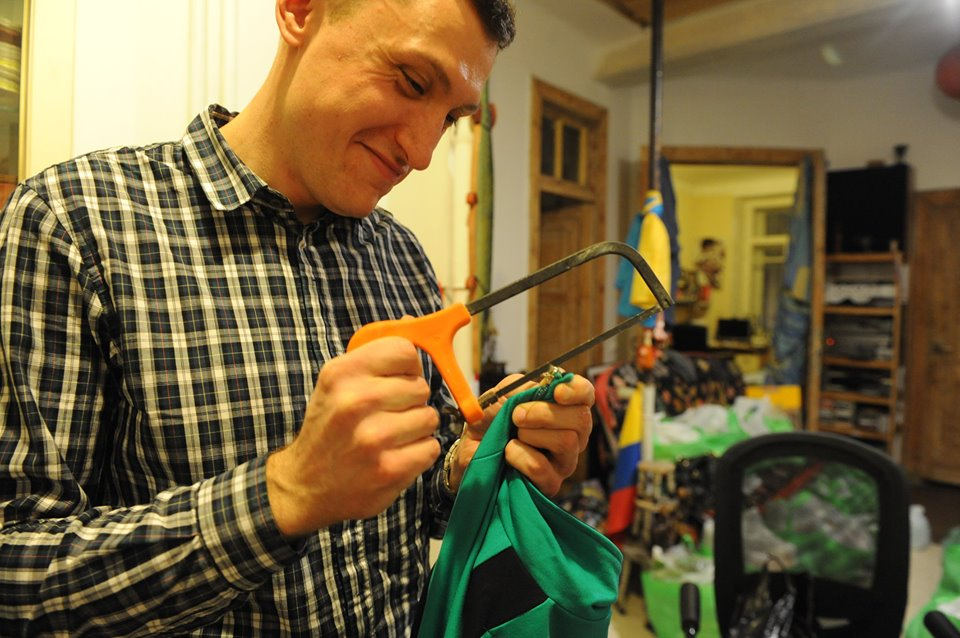 В России задержали активиста, он помогал украинским морякам: фото