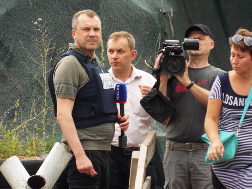 В Станице заметили мужа российской пропагандистки Скабеевой: фото