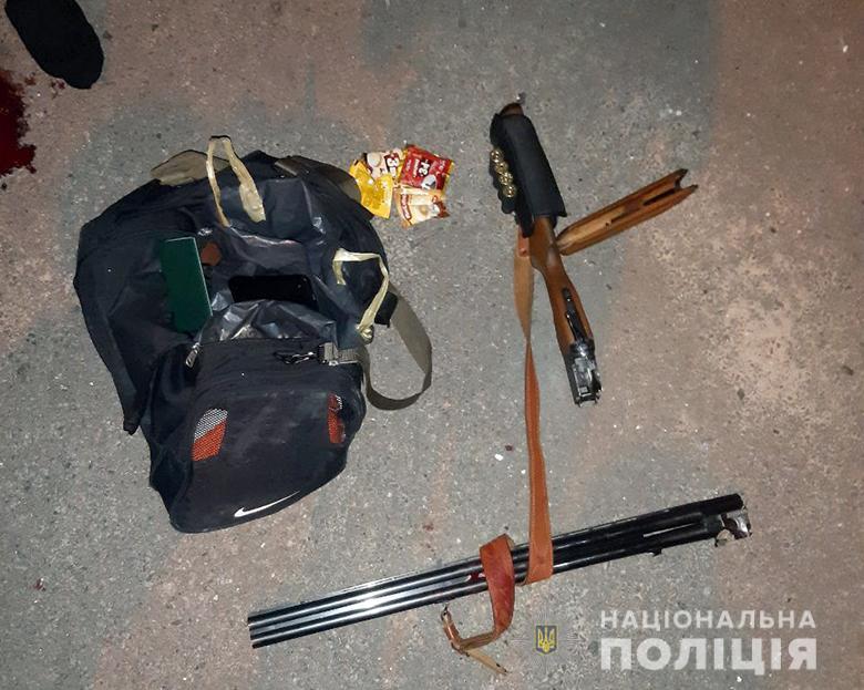 В Киеве мужчина залез в офис и получил пулю в лицо: фото и видео