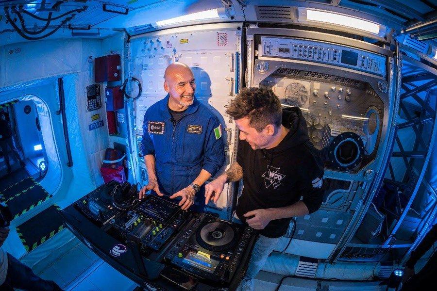 Сегодня на Ибице впервые будет играть диджей из космоса: видео