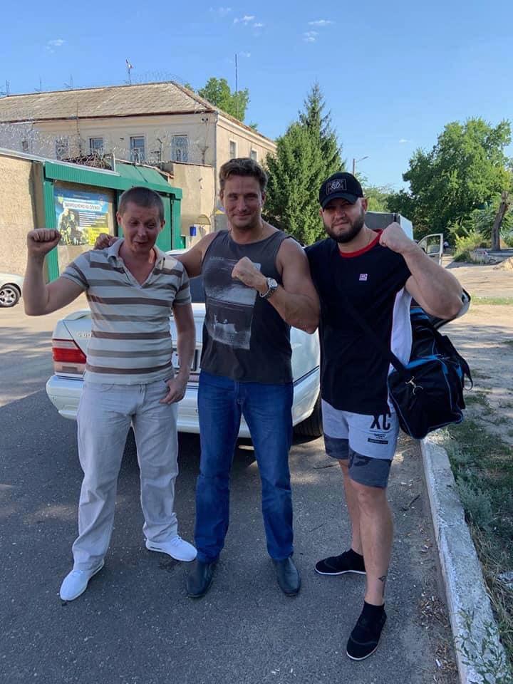 Мефедов и Долженков на свободе (Фото: Facebook Александр Белый)