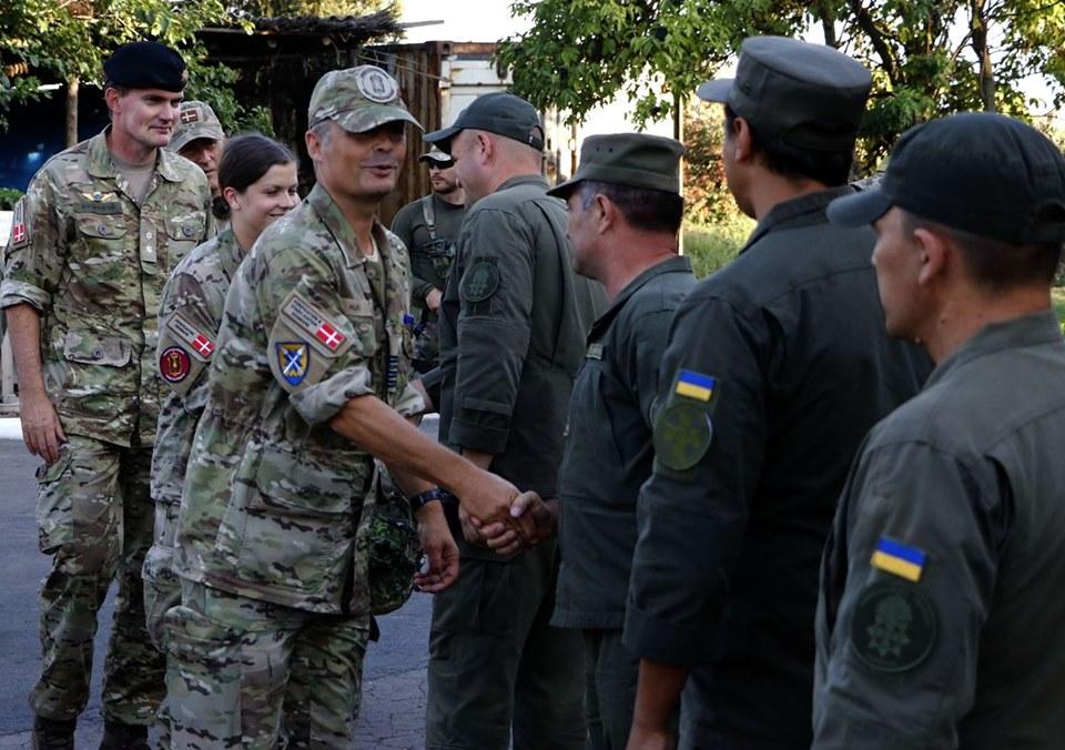 Военные трех стран приехали в Донбасс: что сказали - фото