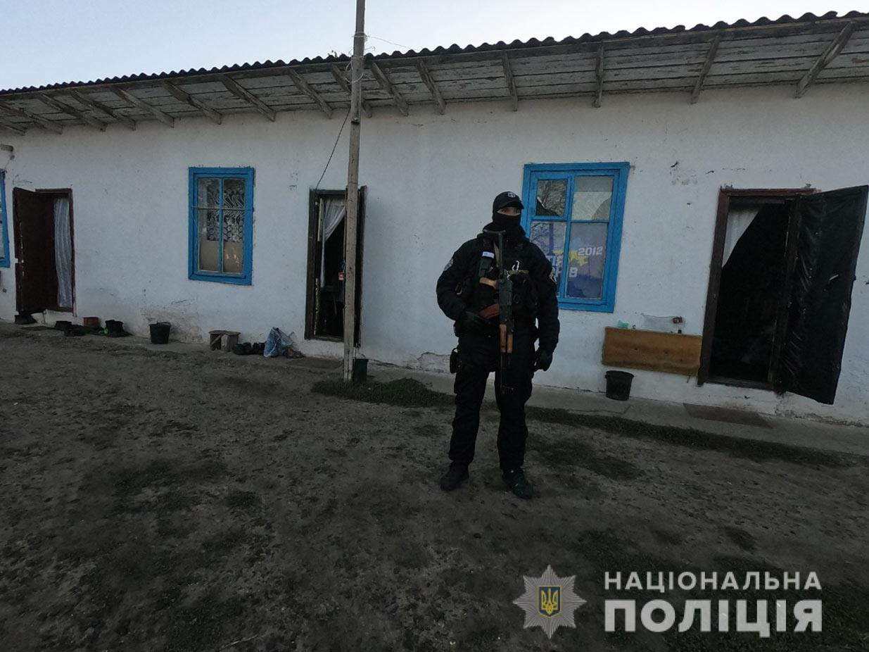 Полиция накрыла ОПГ: вербовали в трудовое рабство - фото и видео