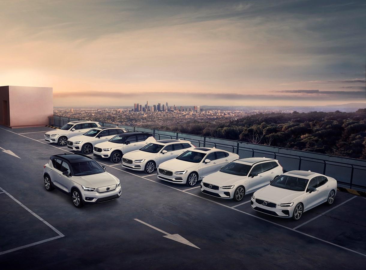 Volvo представила свой первый электромобиль 05