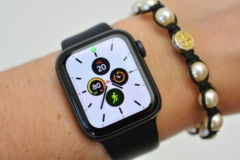 Автономость Apple Watch 5 – разъяснение интернет-магазина Цифра