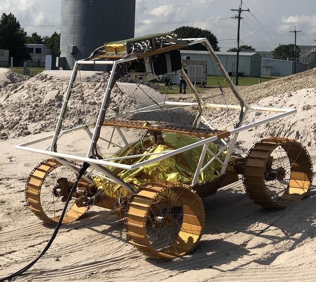 """Луноход """"Вайпер"""" поедет искать воду для базы NASA: видео и фото"""