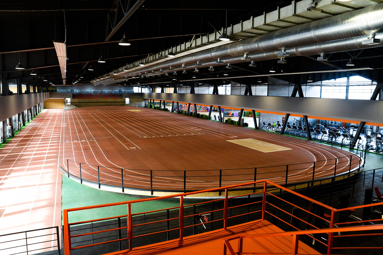 В Запорожье открыли уникальную легкоатлетическую арену Sport Life