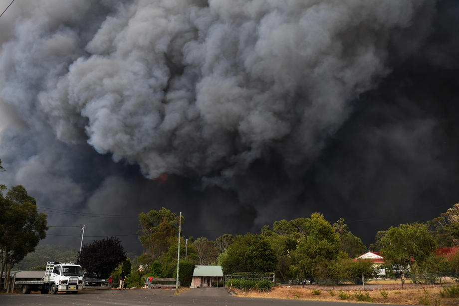 В Австралии ввели чрезвычайное положение: что случилось - фото