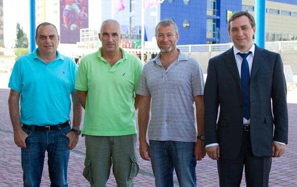 Александр Ярославский и Роман Абрамович (по центру) в Харькове в 2012 году (фото - пресс-служба Ярославского)