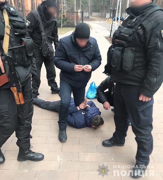 Полиция: В Киеве боевик ДНР стрелял в полицейских - видео